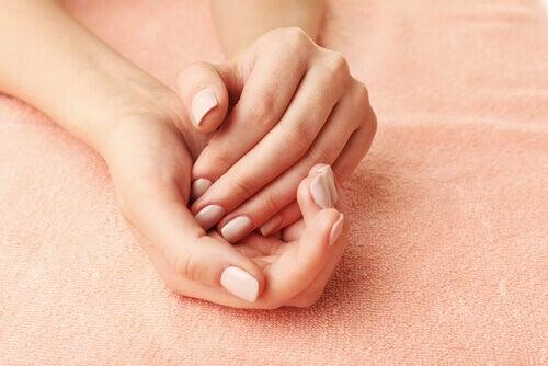 손의 부종이 알려주는 건강