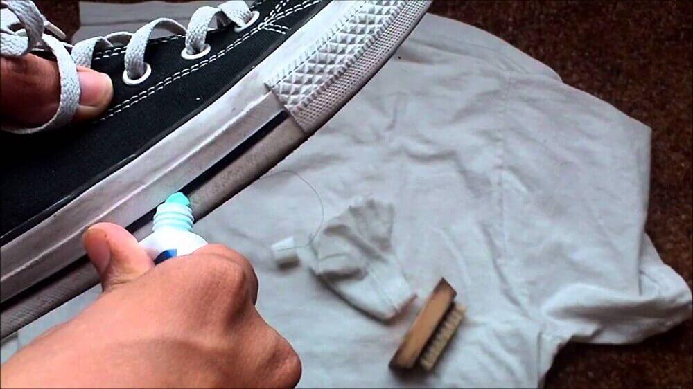 신발 클리너 대신 사용할 수 있는 10가지 흥미로운 재료