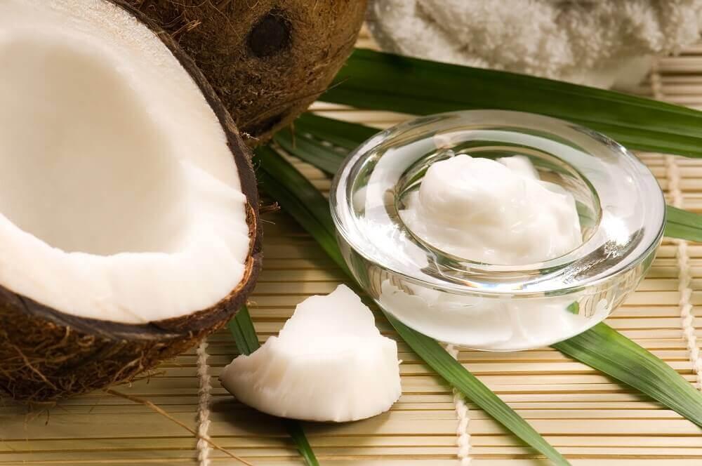 베이킹소다와 코코넛 오일