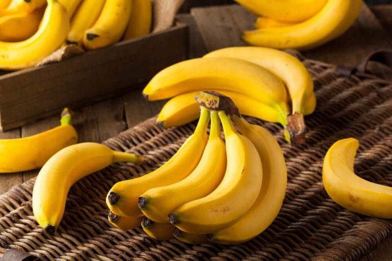 매일 바나나 두 개를 먹으면 몸이 어떻게 달라질까?