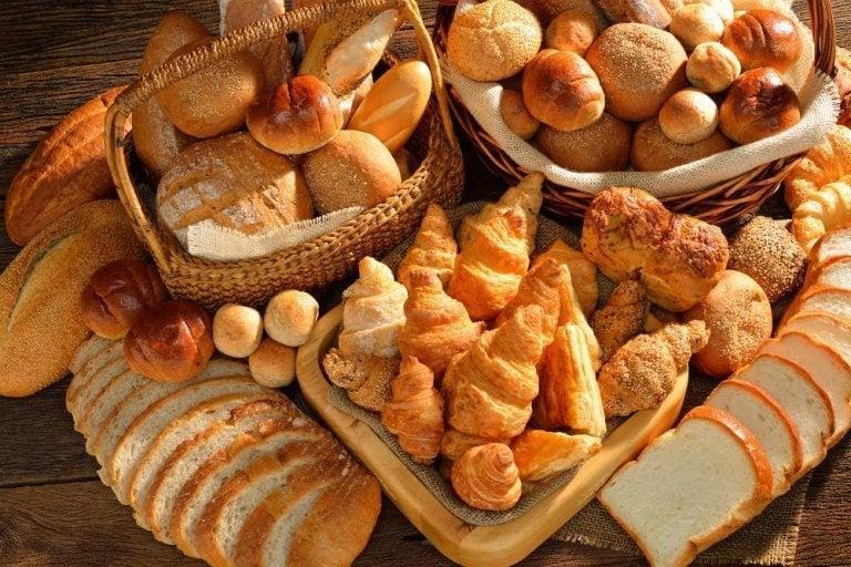 자기 전에 피해야 할 10가지 음식