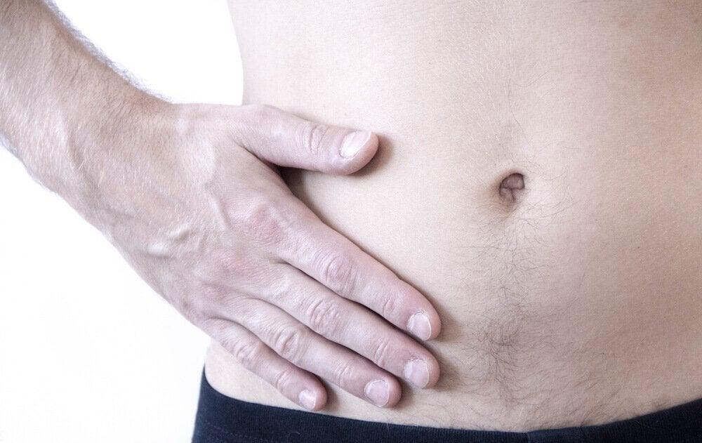 신체의 오른쪽에서 느껴지는 통증의 10가지 원인