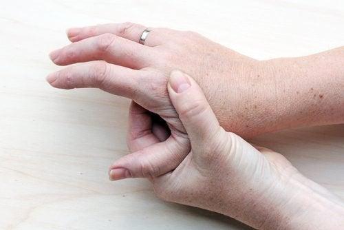 대부분 사람들이 무시하는 암의 첫 증상