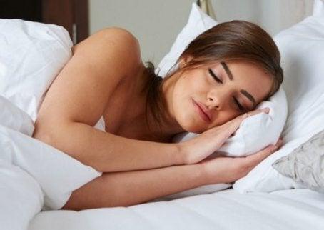 상쾌한 기분으로 잠에서 깨어나는 11가지 팁