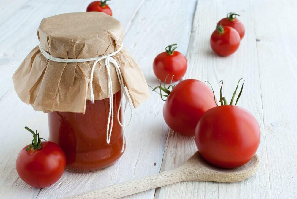 토마토와 옥수숫가루