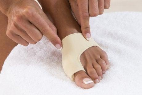 무지외반증을 치료하는 효율적인 방법 4가지 교정기