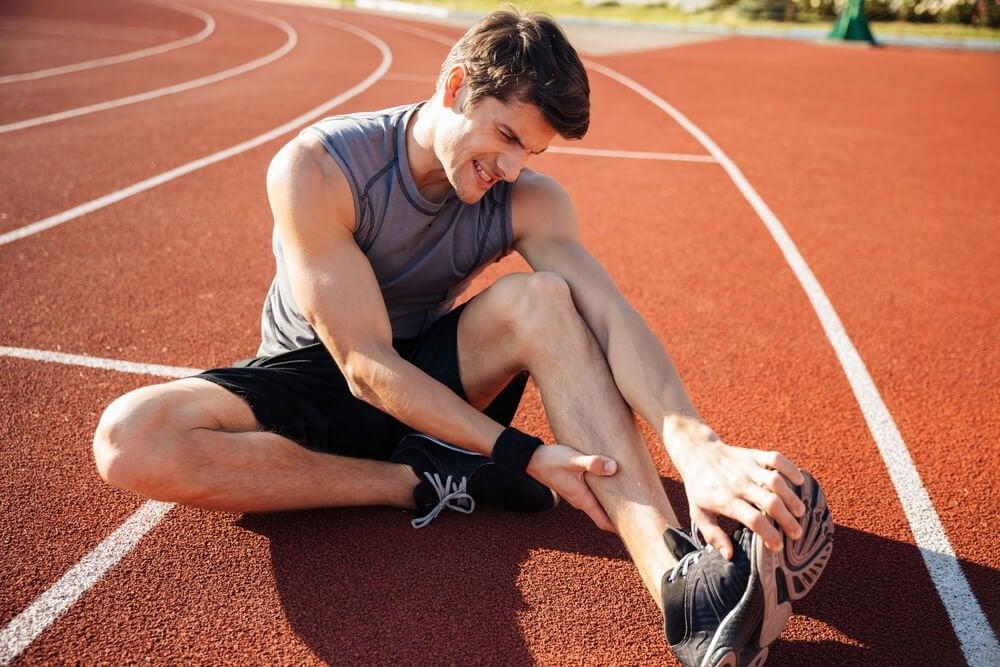 근육 경련을 완화하고 예방하기 위한 팁