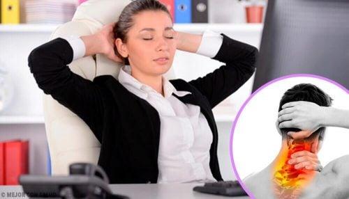 목 경련을 치료하는 방법