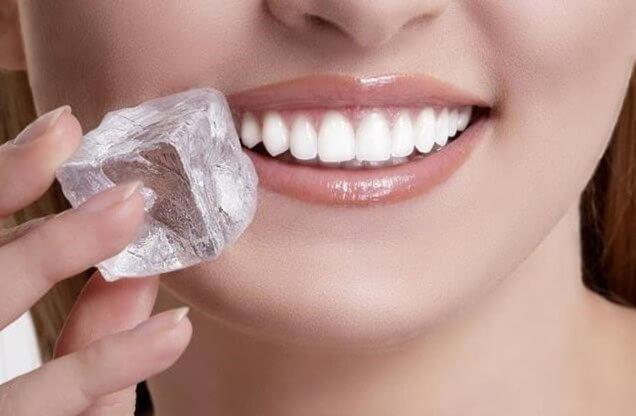 구내염을 치료하는 8가지 천연 요법
