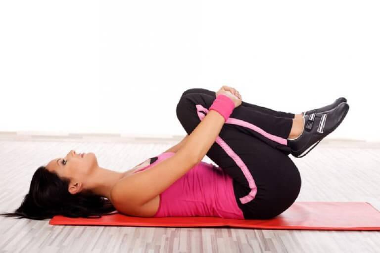 무릎 운동 집에서 하는 5가지 무릎 강화 운동