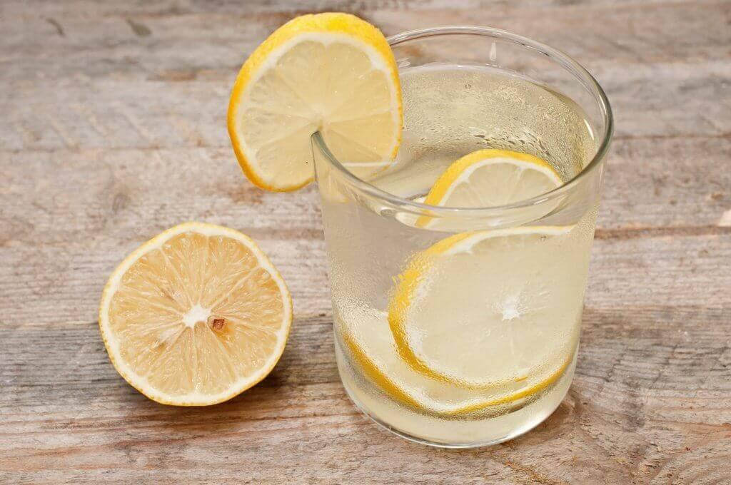 오이, 레몬, 박하 스무디로 슬림한 몸매를 만들자