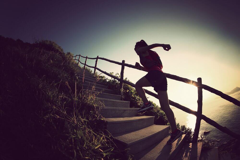 다리를 탄탄하게 계단