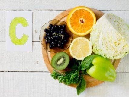 면역 체계를 강화하는 비타민 비타민 C