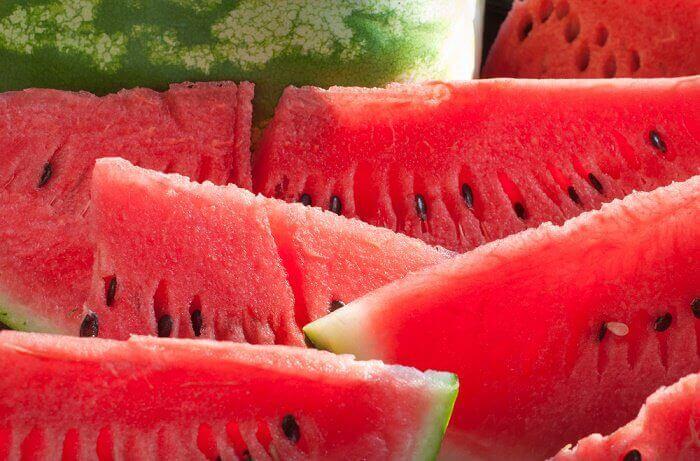 과일 스무디로 체중 감량을 하자 수박 스무디