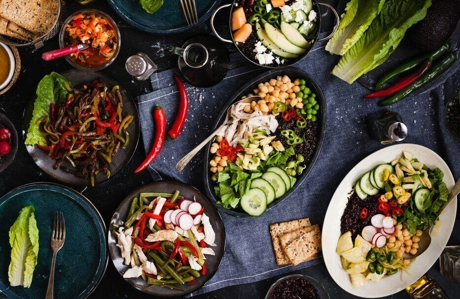 신진대사를 빠르게 하여 체중 감량을 돕는 저지방 식단