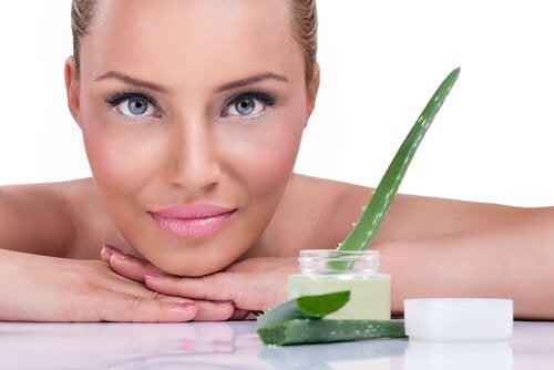알로에베라 젤이 피부에 선사하는 5가지 효능