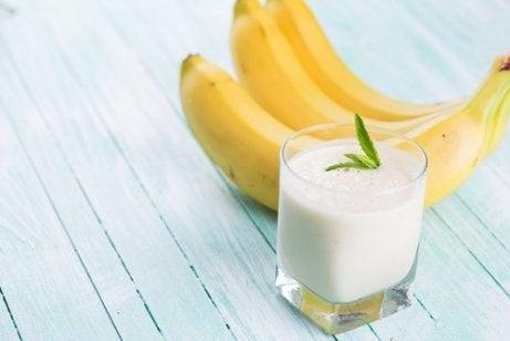 귀리 우유 바나나