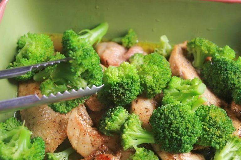 브로콜리 요리하는 3가지 방법 브로콜리 치킨 샐러드