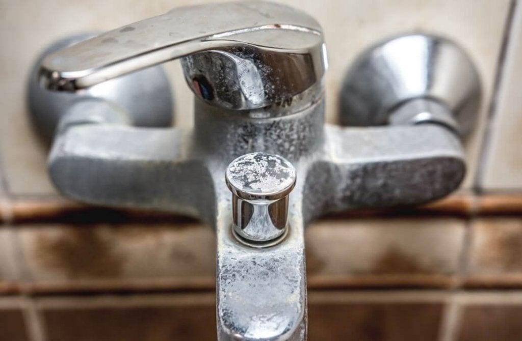 화장실의 물때를 없애는 방법
