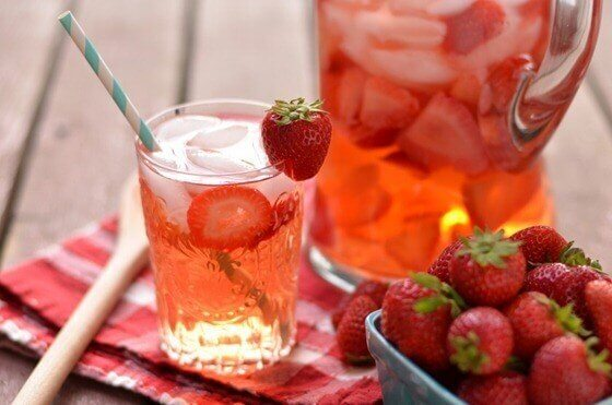 딸기 레몬 물을 만드는 방법