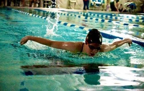 수영은 전신 운동이다