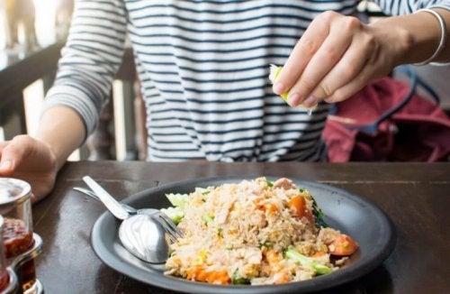 쌀로 만드는 세 가지 개성있는 밥