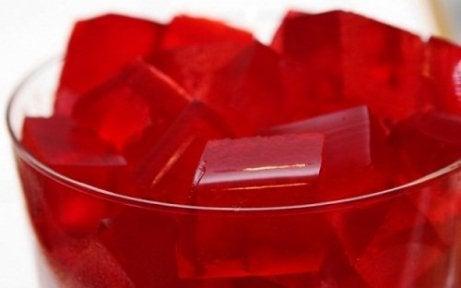 2. 과일이 들어간 레드 와인 젤라틴