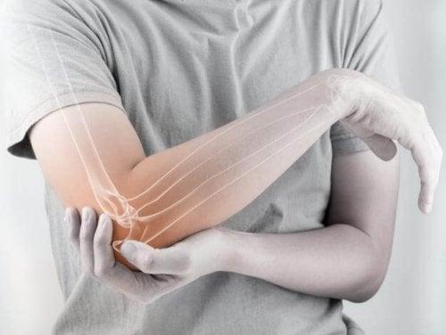 관절통에 아주 효과적인 자연 치료제