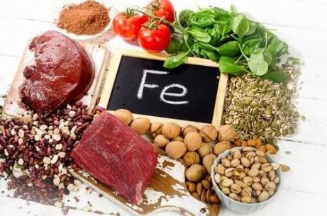 철분 수치를 높이기 위해 섭취하면 좋은 식품