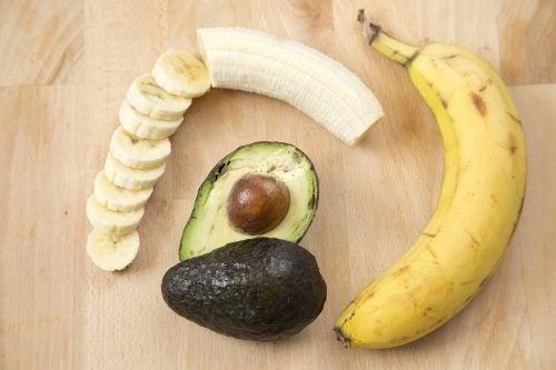 5. 바나나 및 아보카도