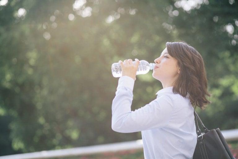 탈수 증세를 예방하는 홈메이드 이온 음료 만드는 법