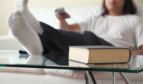 자신도 모르는 사이에 노화를 촉진시키는 나쁜 습관 6가지 좌식