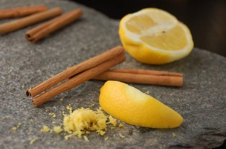 계피와 레몬을 활용하는 놀라운 민간 요법 5가지