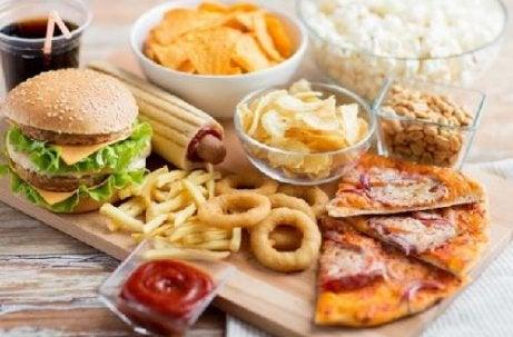 자신도 모르는 사이에 노화를 촉진시키는 나쁜 습관 6가지 영양