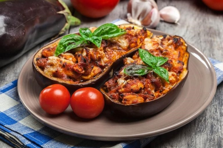 고기로 속을 채운 맛있는 가지 요리 레시피