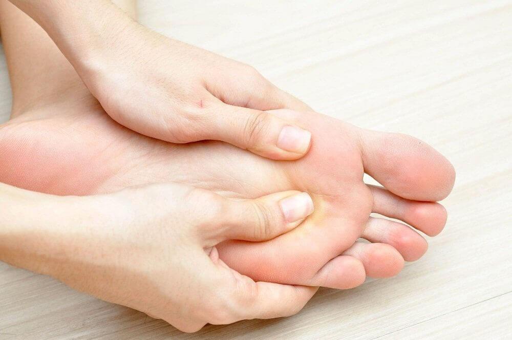 당뇨발을 관리하는 팁 - 매일 발 상태 확인하기