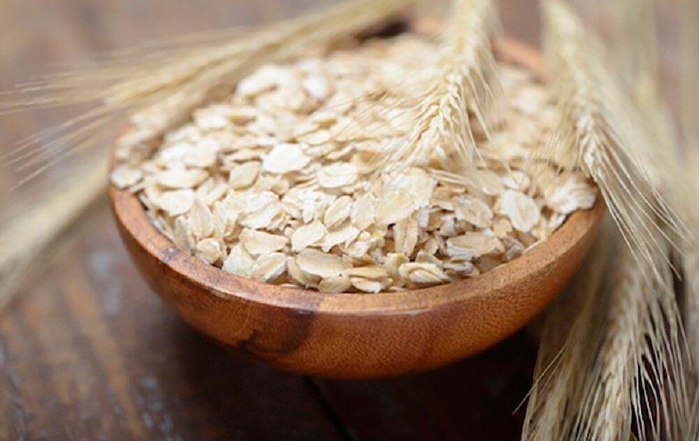 아침 식사에서 단백질 섭취가 중요한 이유 오트밀
