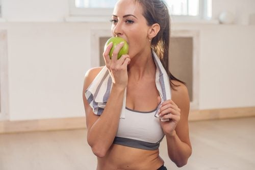 과일과 채소를 더 많이 먹어주면 살을 빼는 데 도움이 된다.