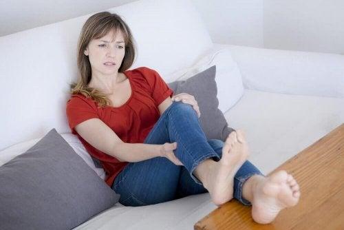 하지정맥류를 치유하고 싶다면 따라야 할 8가지 규칙