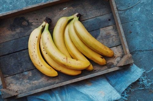 아름다운 피부와 모발을 위한 바나나 마스크 팩 5가지