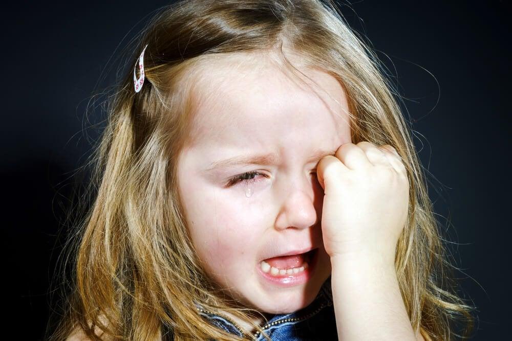 아이가 머리를 세게 부딪쳤을 때, 어떻게 해야 할까?
