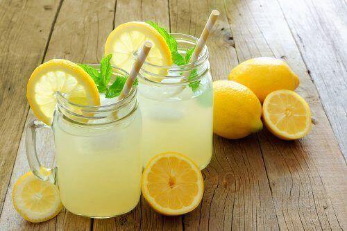 레몬이 다이어트에 도움이 되는 이유