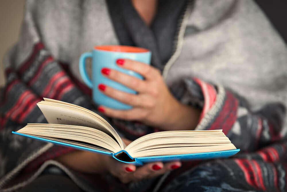 한밤중 독서가 뇌 건강에 미치는 영향