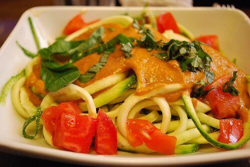 저혈압 치료에 좋은 식단을 계획해보자.