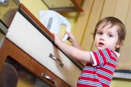 가정 요법으로 화상을 치료하는 방법