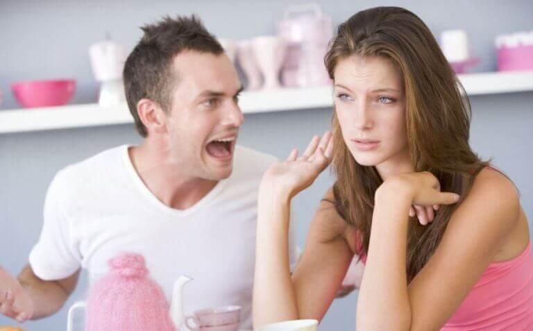 절대 참으면 안 되는 언어 폭력의 유형 6가지
