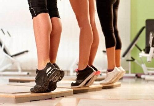 집에서 할 수 있는 6가지 셀룰라이트 방지 운동