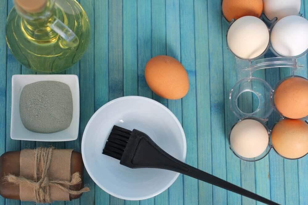 건조한 모발에 수분을 공급하는 3가지 달걀 요법