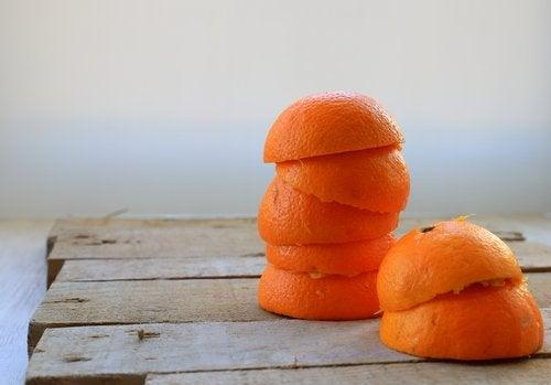 집 안 공기를 정화하는 오렌지 껍질