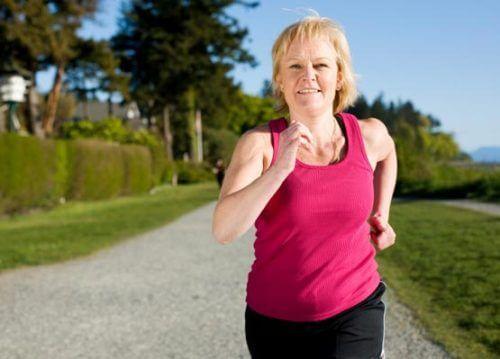 갱년기 체중 증가를 막는 7가지 팁